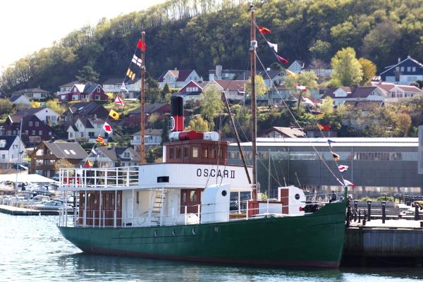 Oscar II, Sandnes