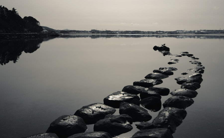 http://daybyframe.com/wp-content/uploads/2011/03/fjord.jpg