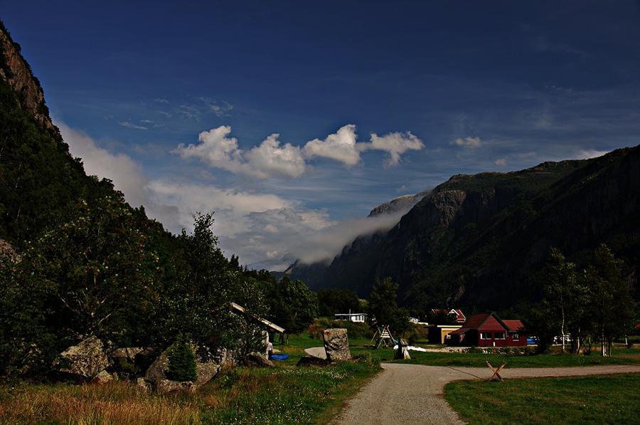 http://daybyframe.com/wp-content/uploads/2011/07/frafjord_1.jpg
