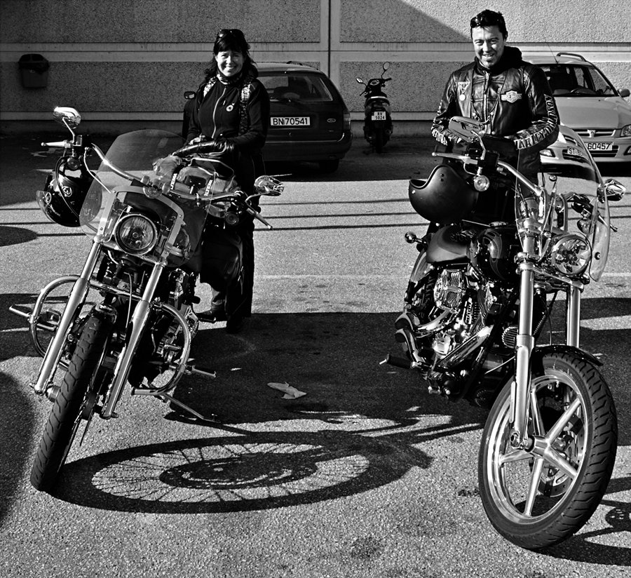 http://daybyframe.com/wp-content/uploads/2011/10/Bikers.jpg