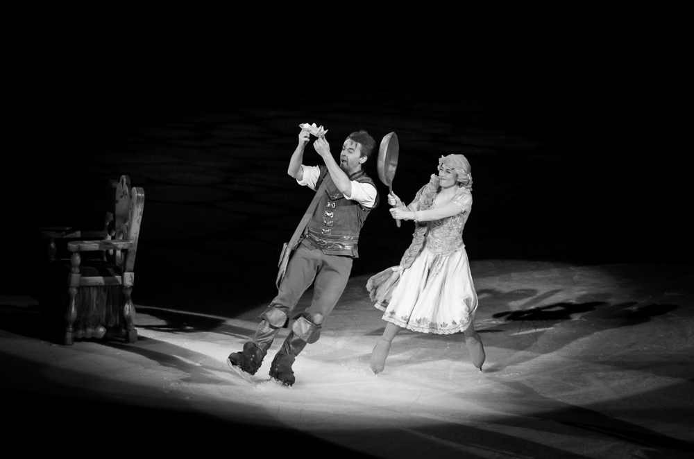 Disney on Ice – Black and White